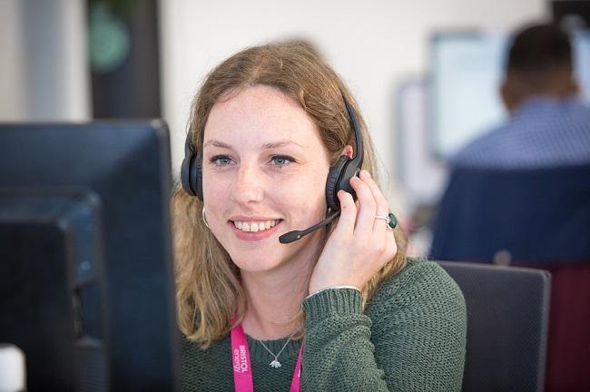 Bristol Energy customer care advisor helping a customer leave on the phone.