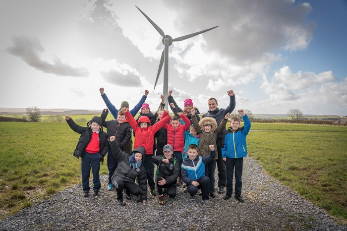 Community Energy project Ynni Teg in Wales with children from Meidrim Primary School